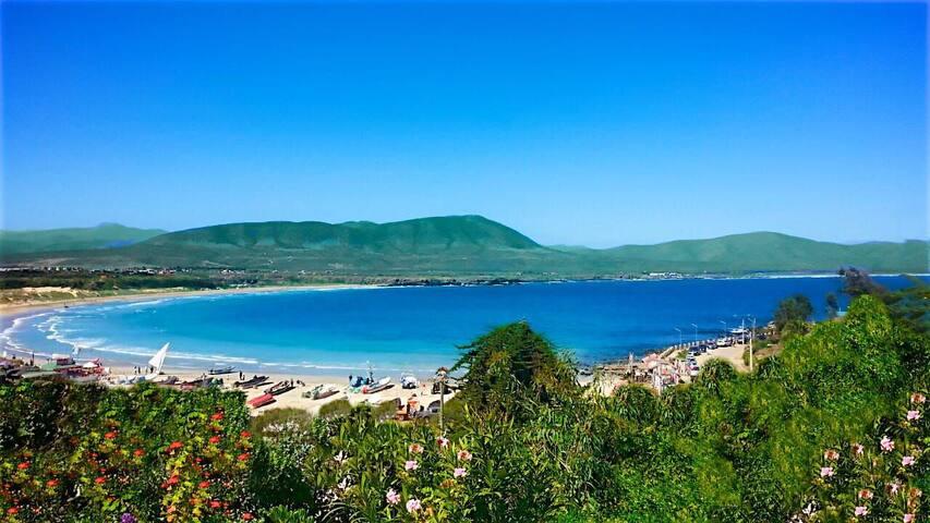 Cabaña cercana al mar Hermosa vista , tranquilo.