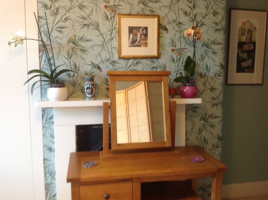 Dressing table, stool and mirror.