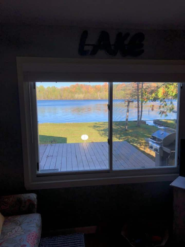 Hiawatha Creek Camp - On The Lake - Sleeps 4
