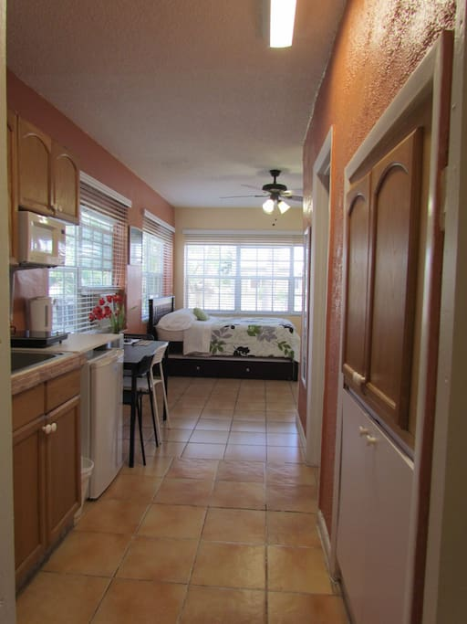 Spacious and functional with great views of the garden. Full size bed with full size trundle bed.