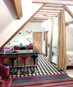 Character country apartment Ludlow - Greete - Huoneisto