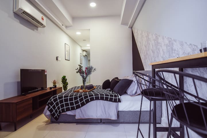 Elegant Studio by COBNB @ Vivo Suites #VV11