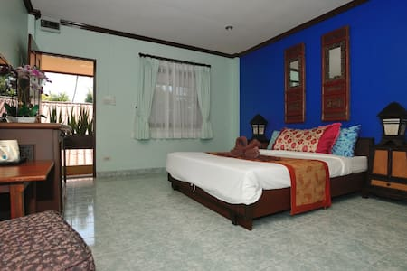 Ben's guesthouse (right on main road) - room 203 - Ko Samui