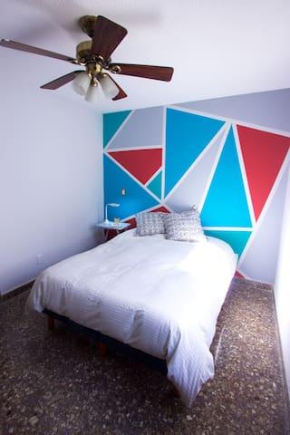 Habitación Azul- sencilla y cómoda!