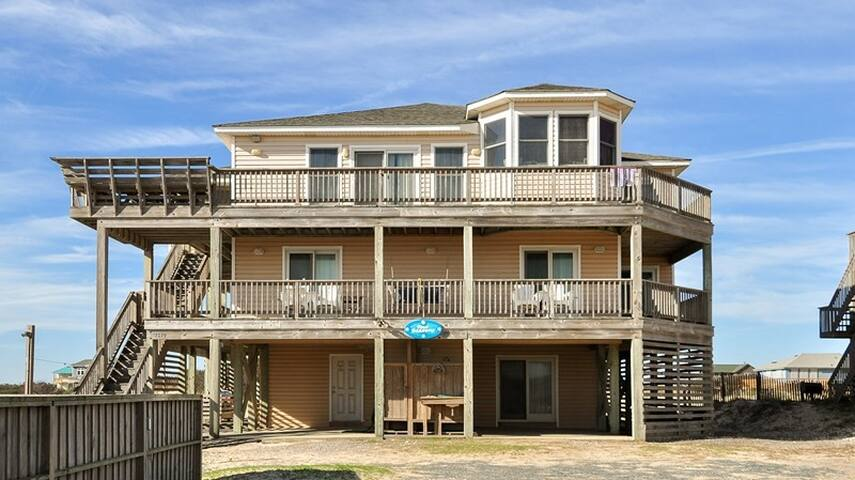 4 SEASONS-UNOBSTRUCTED VIEWS Pool Hot tub NEW kitchen! pool table, dune deck