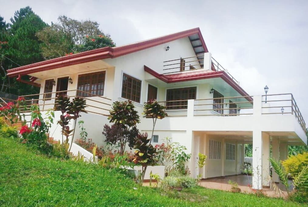 A modest home nestled in Eden-Bayabas Toril, guarantees the best views of the Davao Gulf.  It is located less than 200m from Eden Nature Park Entrance.