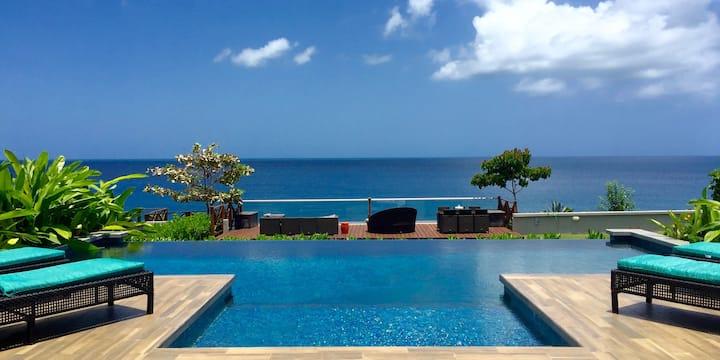6 bdrm Ocean Front House Villa Carambola