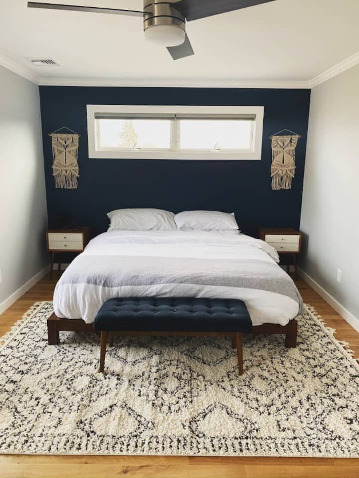 Bright and Peaceful Walkable New Greenport House