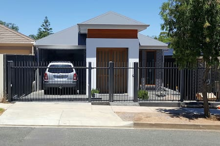 Visit Adelaide only 6km from CBD - Enfield