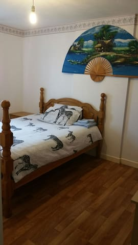 Value comfort large single bedroom in Birmingham