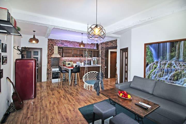 Top center unique home,  2 BR, NDK, Vitosha street