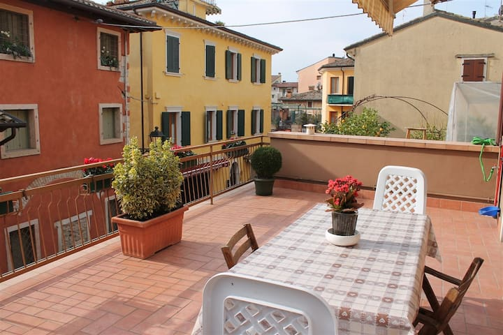 Casa del Borgo w centrum Bardolino - Bardolino - Apartament