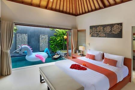 Villa Romantis dengan Private Pool di Legian - Kuta - Villa