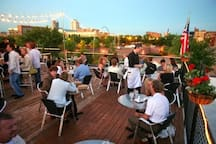 Vin de Set Rooftop Patio - Walking Distance