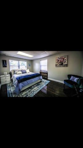 Boone Trace Inn, Gorgeous Bedroom #6