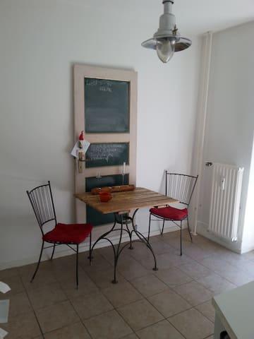 Charmant-Kreative 2 Zimmer Wohnung