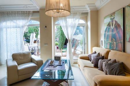Gran habitación lujo en mansión - Benetússer