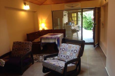 Маленькая квартира для пары на  берегу моря - Ravda
