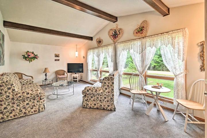 NEW! Warm & Homey Cottage < 1 Mi to Shawano Lake!