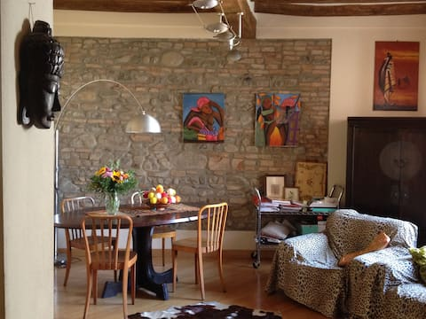 Cozy room with terrrace in the heart of Parma
