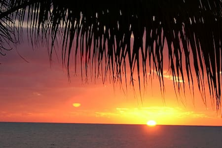 Ocean View on Islamorada~ Sleeps 4 - Társasház