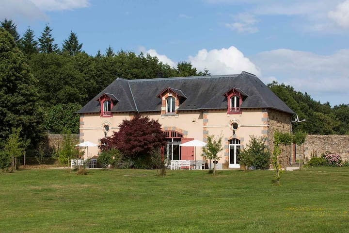 Enchanting house in Bretagne - Combourg - Huis