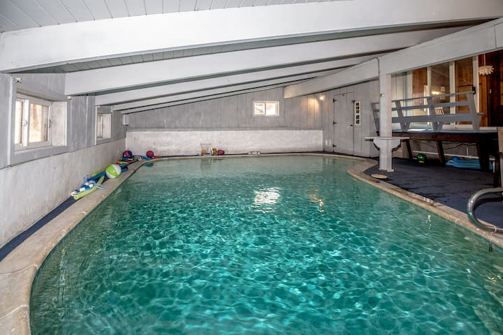 Private Indoor Heated Pool 6 Bdrms - sleeps 16 - Conway