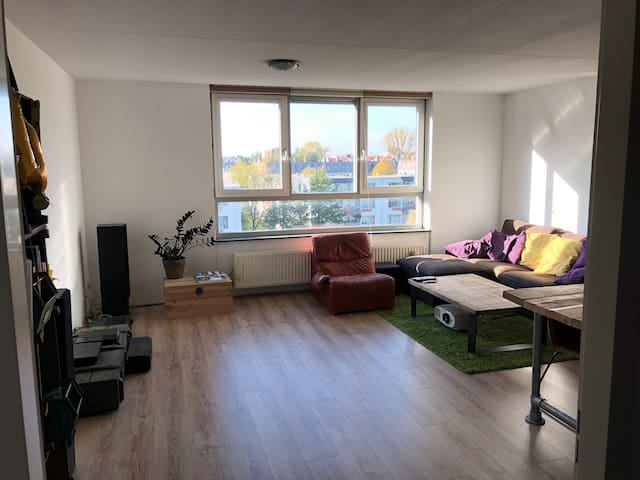 Spacious apartment (long term stay)