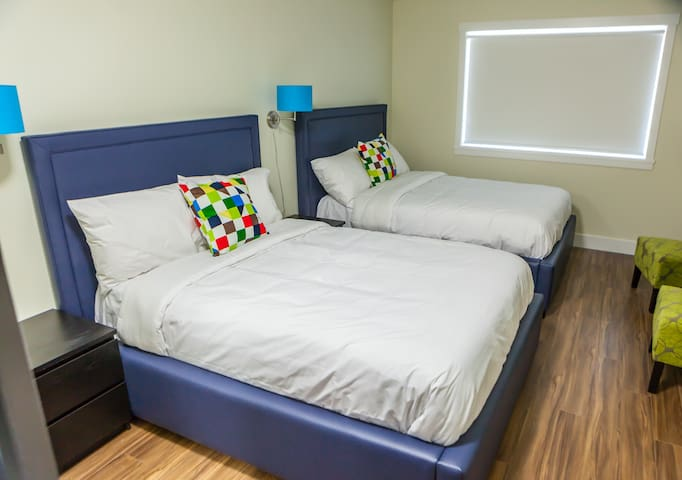(NO CLEANING FEE) #213 2 Double Beds Queens Hotel