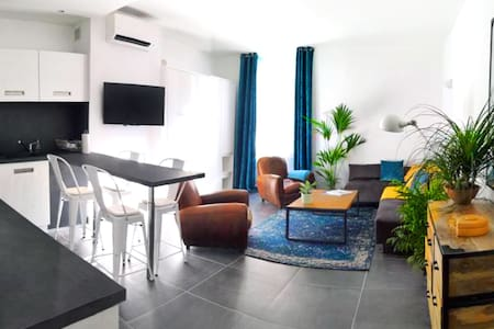 Beautifully bright apartment in Old Town St Tropez