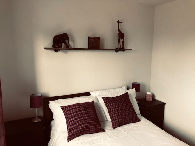 Modern ensuite double room in picturesque Banbury