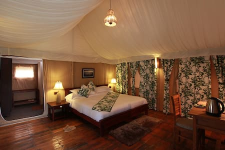 Queens Meadows Resort-Luxury Tent - Ranikhet Range - Teltta