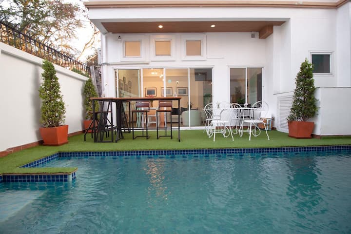 Pratumnak 4 bedroom House with Private Pool