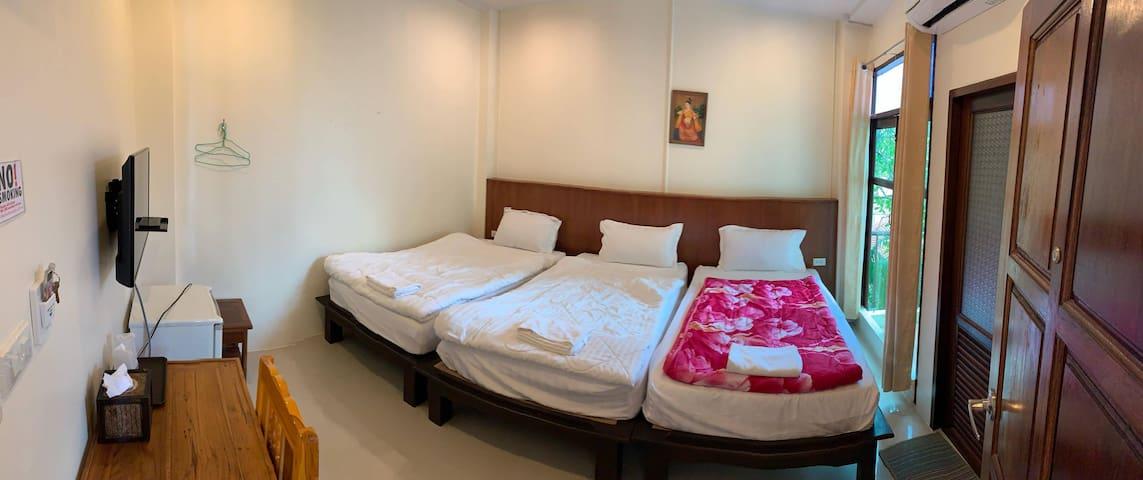 Jitra Resort, 3Beds Family Room