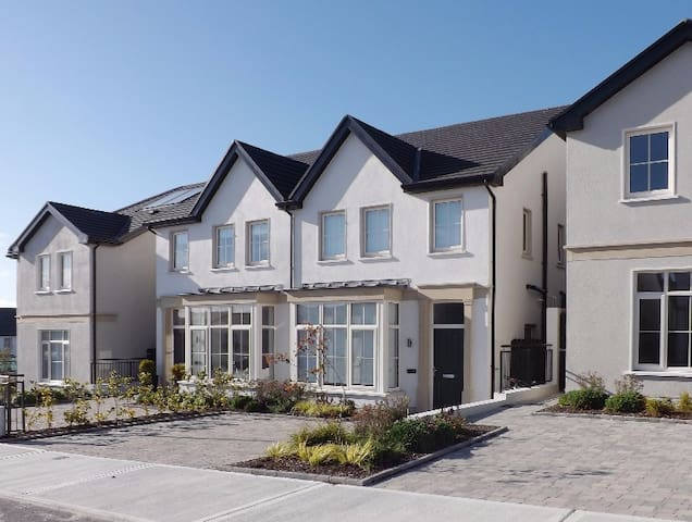Brand new full house - Knocknacarra - Galway - Huis