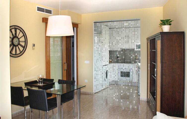 Holiday apartment with 3 bedrooms on 66 m² in Sant Carles de la Ráp.
