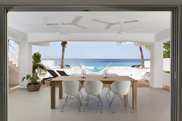 Loft One-Bedroom Beach Garden Apartment