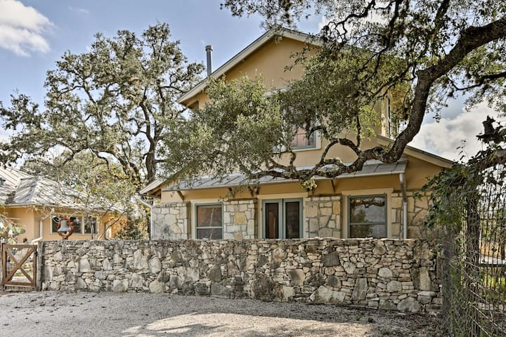 Secluded 2BR Bulverde Home on 211 Acres w/ Views!