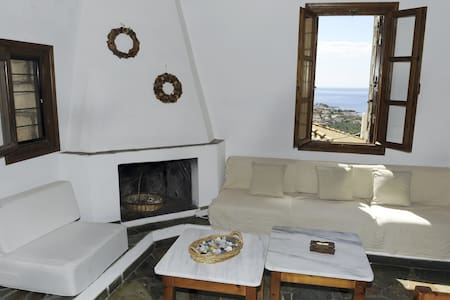 Cobble tower, amazing view, 1,5km from the beach!! - Lefktro - Casa