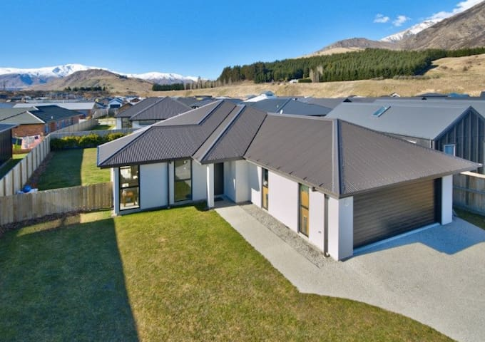 Beautiful home in Queenstown Shotover Country.
