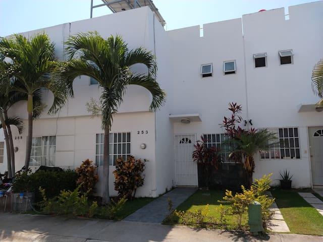 Casa Viva a 5 min de la Playa en Vallarta-Bahía