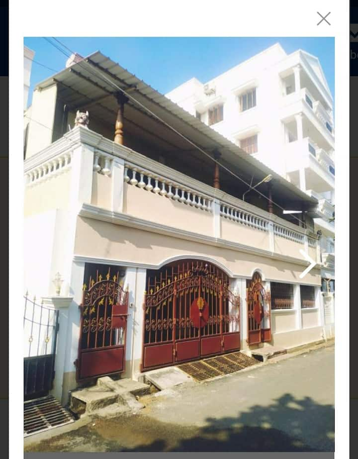 GROUP HOUSE FOR FAMILY STAY - AC Rooms