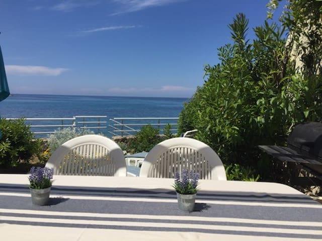 Marine San't Ambroggio Mini Villa acces direct mer