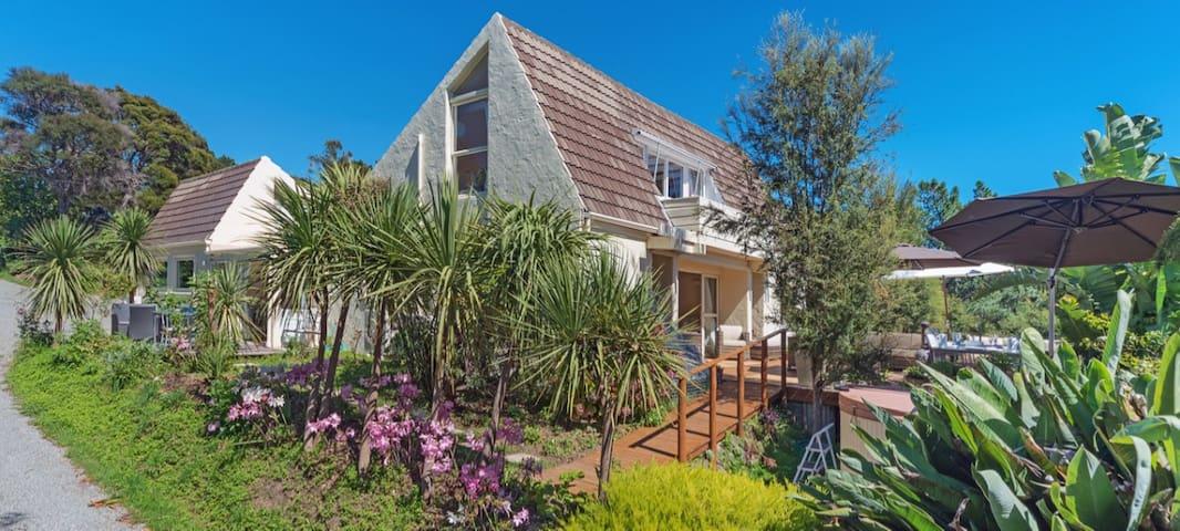 Seaview Paradise overlooks Tasman Bay