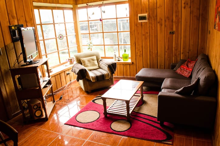 Friendly Home with Friendly People - Panguipulli - Huis
