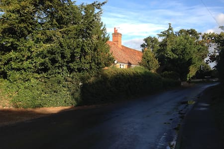 Rural idyll, Crown House Bed & Breakfast Room 3 - Great Glemham