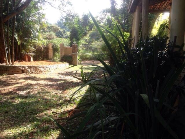 Casa completa p/ hospedagem temporária ou mensal. - Chácara do Pinhal - บ้าน