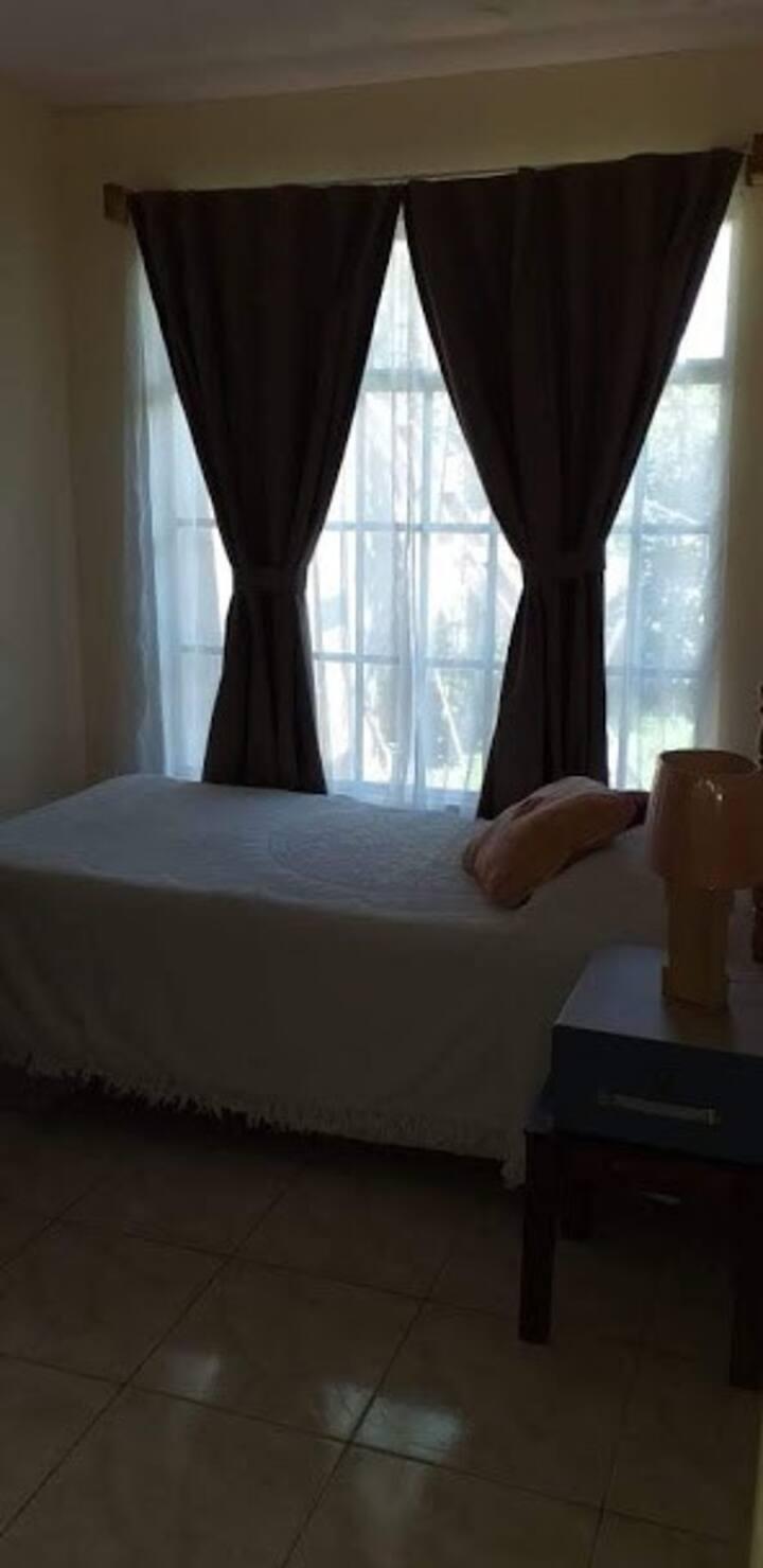 Habitación Cartago, segura y fácil acceso