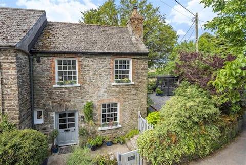 Horse Shoe Cottage, outdoor space, cozy interior!
