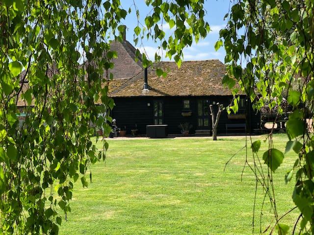 Evegate Manor Barn